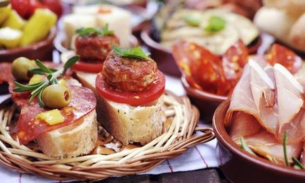 La Cueva Gastronomia y Arte   São Pelegrino: porção de tapas (8 unidades) + 2chopes artesanais de 300 ml